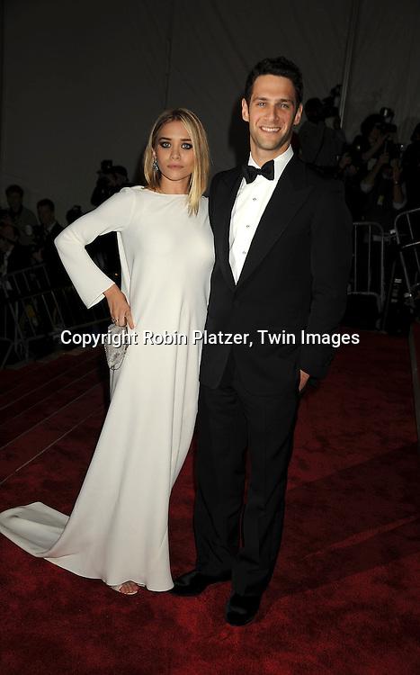 Ashley Olsen and Justin Bartha