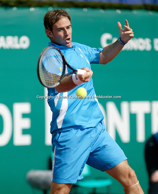 17-4-06, Monaco, Tennis,Master Series, Volandri in action against Acasuso