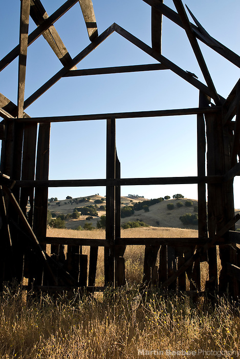 A falling down building at Cronan Ranch, in the Sierra Nevada foothills, California