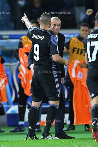 (L-R) Karim Benzema, Zinedine Zidane (Real), <br /> DECEMBER 15, 2016 - Football / Soccer : <br /> FIFA Club World Cup Japan 2016 Semi Final match between <br /> Club America 0-2 Real Madrid <br /> at Yokohama International Stadium, Kanagawa, Japan. <br /> (Photo by AFLO SPORT)