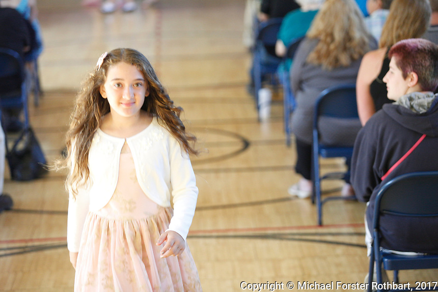 The Oneonta Greater Plains elementary school fifth grade awards ceremony, on June 21, 2017.<br /> &copy; Michael Forster Rothbart Photography<br /> www.mfrphoto.org &bull; 607-267-4893<br /> 34 Spruce St, Oneonta, NY 13820<br /> 86 Three Mile Pond Rd, Vassalboro, ME 04989<br /> info@mfrphoto.org<br /> Photo by: Michael Forster Rothbart<br /> Date:  6/21/2017<br /> File#:  Canon &mdash; Canon EOS 5D Mark III digital camera frame C19067