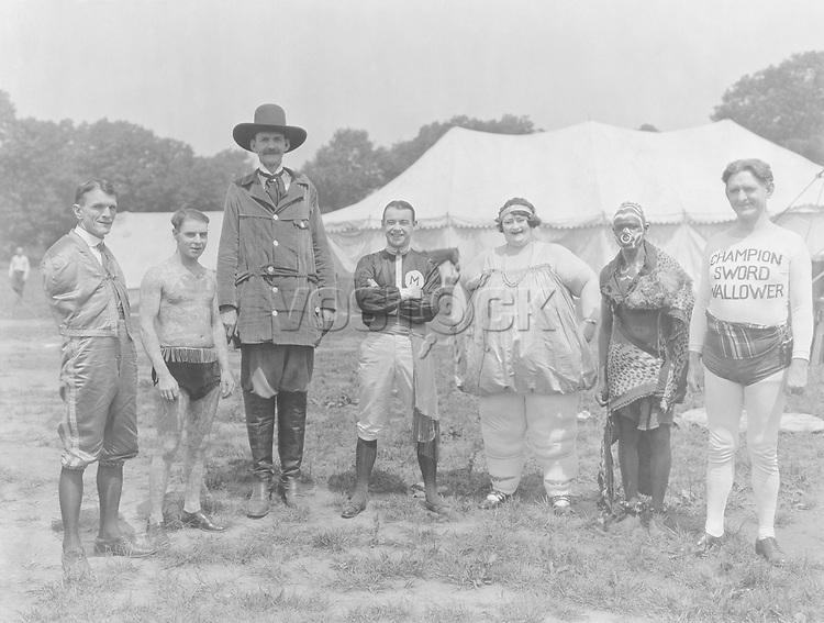 Circus folks