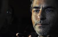 Veracruz, M&eacute;xico.- El actor Raul Araiza hijo en compa&ntilde;ia de su esposa Fernanda Rodr&iacute;guez llegaron al funeral de su Don Ra&uacute;l Araiza quien falleciera esta ma&ntilde;ana de este martes ocho de Enero, ya que padec&iacute;a c&aacute;ncer de prostata en estado terminal.  <br />  (*Photo*:Tirador MC/NortePhoto)<br />  nortephoto@gmail.com