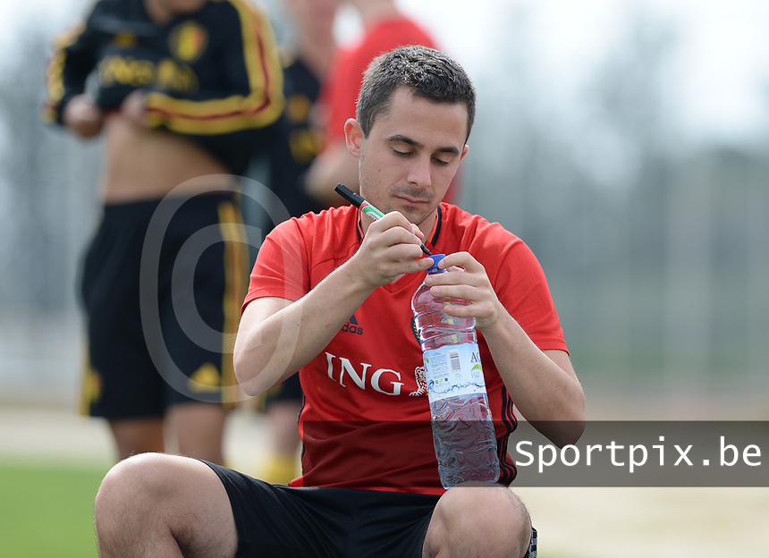 20180304 - LARNACA , CYPRUS :  Belgian physiotherapist Jan Van Der Jeugt pictured during a Matchday -1 training from The Belgian Red Flames prior to their game against Austria , on Sunday 4 March 2018 at the Alpha Sports Grounds in Larnaca , Cyprus . This will be the third game in group B for Belgium during the Cyprus Womens Cup , a prestigious women soccer tournament as a preparation on the World Cup 2019 qualification duels. PHOTO SPORTPIX.BE | DAVID CATRY