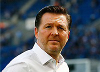 Christian TITZ, Chef-Trainer HSV, Portrait, Portraet, Einzel, quer, Fussball, 1. Bundesliga  2017/2018<br /> <br /> Foto © SportNAH / A. Huber *** Local Caption *** © pixathlon<br /> Contact: +49-40-22 63 02 60 , info@pixathlon.de