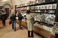 Il bookshop della Galleria degli Uffizi a Firenze.<br /> The bookshop of the Uffizi Gallery, Florence.<br /> UPDATE IMAGES PRESS/Riccardo De Luca