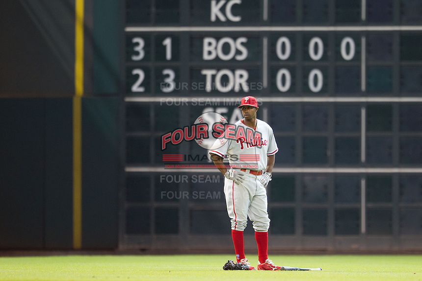 Philadelphia Phillies outfielder Juan Pierre #10 before the Major League baseball game against the Houston Astros on September 16th, 2012 at Minute Maid Park in Houston, Texas. The Astros defeated the Phillies 7-6. (Andrew Woolley/Four Seam Images).