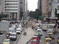 Rio de Janeiro (RJ) 20.06.2012. Trânsito / Congestionamento.- Trânsito muito intenso na Av. Chile no Centro da Cidade do Rio de Janeiro.Hoje dia (20). Foto Arion Marinho/Futura Press