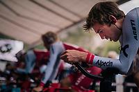 Alex Dowsett (GBR/Katusha-Alpecin) warming up<br /> <br /> UCI MEN&lsquo;S TEAM TIME TRIAL<br /> Ötztal to Innsbruck: 62.8 km<br /> <br /> UCI 2018 Road World Championships<br /> Innsbruck - Tirol / Austria