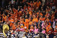 SCHAATSEN: HEERENVEEN: IJsstadion Thialf, 11-01-2013, Seizoen 2012-2013, Essent ISU EK allround, schaatssupporters, ©foto Martin de Jong