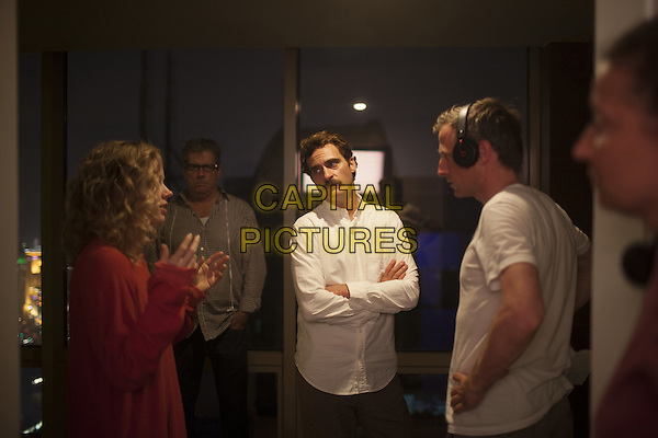 AMY ADAMS, JOAQUIN PHOENIX, SPIKE JONZE (DIRECTOR)<br /> on the set of Her (2013)<br /> *Filmstill - Editorial Use Only*<br /> CAP/FB<br /> Image supplied by Capital Pictures