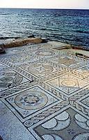 Libia  Sabratha .Citt&agrave;  romana a circa 67km da Tripoli.Un pavimento a mosaico delle terme che danno sul mare.<br /> Sabratha Libya.Roman city about 67km from Tripoli. A mosaic floor of the spa overlooking the sea.