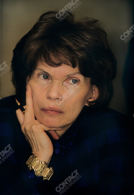 "Danielle Mitterrand, President of ""France Libertes"" during a meeting in New York on March 1987"