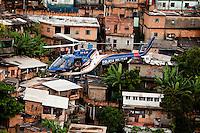 Belo Horizonte_MG, Brasil...Helicoptero da Policia Militar sobrevoando o Aglomerado da Serra em Belo Horizonte, Minas Gerais...Military Police helicopter flying over the slum of Serra in Belo Horizonte, Minas Gerais...Foto: LEO DRUMOND / NITRO