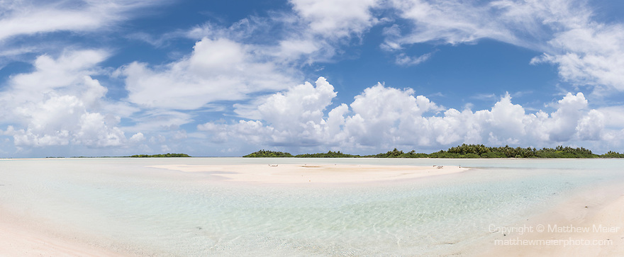 Blue Lagoon, Rangiroa Atoll, Tuamotu Archipelago, French Polynesia; a panoramic view of a sandbar inside of the blue lagoon