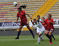 BOGOTÁ- COLOMBIA,27-07-2019:Sofia Rodríguez (Der.) jugadora de Equidad femenino  disputa el balón con Claudia Vergel (Izq.) jugadora de Fortaleza  femenino  durante el 3 partido de la Liga Águila Femenina 2019 jugado en el estadio Metropolitano de Techo de la ciudad de Bogotá. /Sofia Rodríguez (R) player of Equidad fights the ball  against of Claudia Vergel (L) player of Fortaleza during the date 3th match for the Liga Aguila women  2019 played at the Metropolitano de Techo stadium in Bogota city. Photo: VizzorImage / Felipe Caicedo / Staff