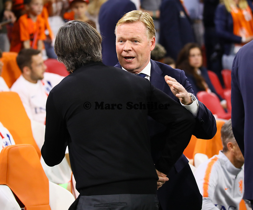 Bundestrainer Joachim Loew (Deutschland Germany) mit Bondscoach Ronald Koemann (Niederlande) - 13.10.2018: Niederlande vs. Deutschland, 3. Spieltag UEFA Nations League, Johann Cruijff Arena Amsterdam, DISCLAIMER: DFB regulations prohibit any use of photographs as image sequences and/or quasi-video.