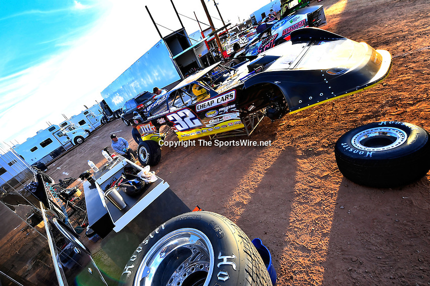 Jan 7, 2017; 4:57:41 PM; QUEEN CREEK, AZ., USA; 11th Annual Keyser Manufacturing Wild West Shootout at Arizona Speedway presented by O'Reilly Auto Parts. Mandatory Credit: (thesportswire.net)