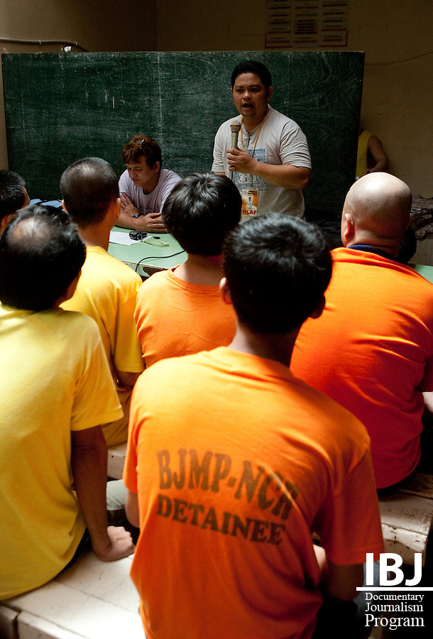 Junard, one of the JusticeMakers in Manila, orients a new group of inmates at Mandaluyong City Jail.  The inmates often know very little about their rights as prisoners, and the paralegals in the jails help them with their cases.