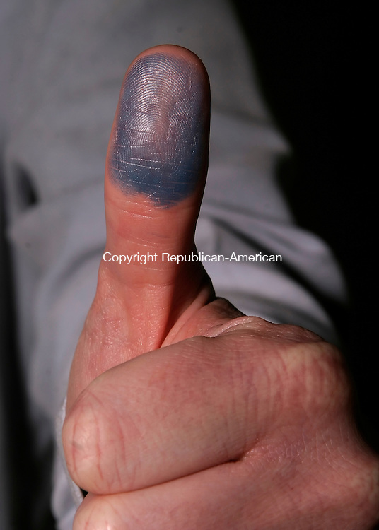 WATERBURY, CT--05 APRIL 2007--040507JS15-Thumb for illustration.<br /> Jim Shannon / Republican-American