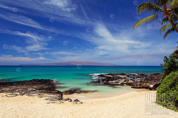 Turquoise water at Secret Beach, Makena, Maui. Sometimes called Makena Cove or Wedding Beach.