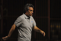 ENVIGADO -COLOMBIA-25-01-2014. Juan Manuel Lillo técnico de Milloanrios gesticula durante partido contra Envigado FC por la fecha 1 de la Liga Postobón I 2014 realizado en el Polideportivo Sur de la ciudad de Envigado./ Juan Manuel Lillo coach of Millonarios gestures during match against Envigado FC for the 1st date of the Postobon League I 2014 at Polideportivo Sur in Envigado city.  Photo: VizzorImage/Luis Ríos/STR