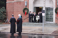 Elizabeth Edwards Funeral Service John Edwards &amp; <br /> Children Jack,Emma Claire,<br /> Cate. By Jonathan L Green