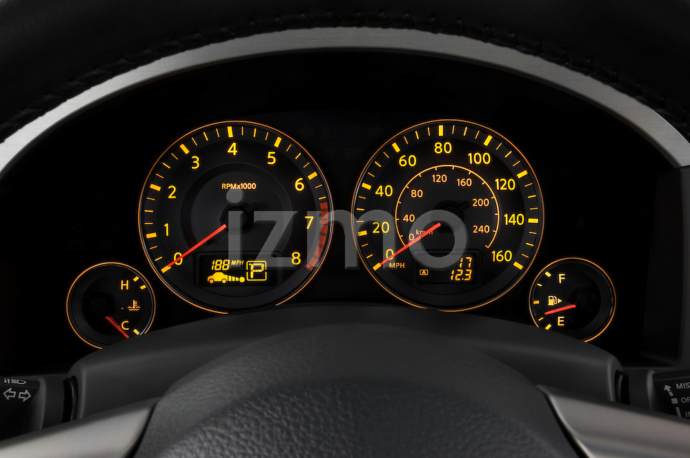 Instrument panel detail of a 2008 Infiniti FX35 SUV