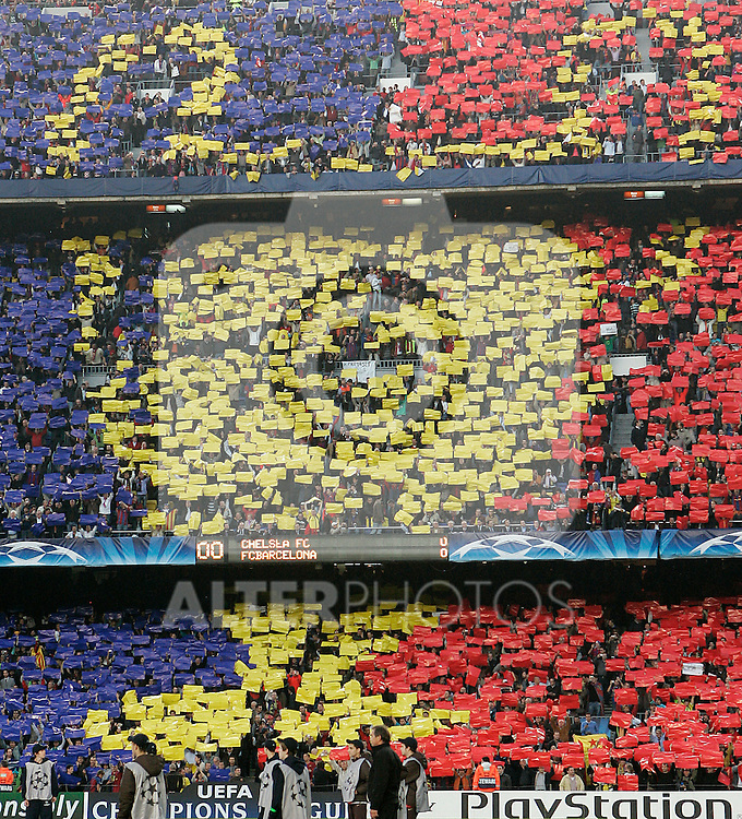FC Barcelona's supporters during the UEFA Champions League match.April 28 2009. (ALTERPHOTOS/Acero).