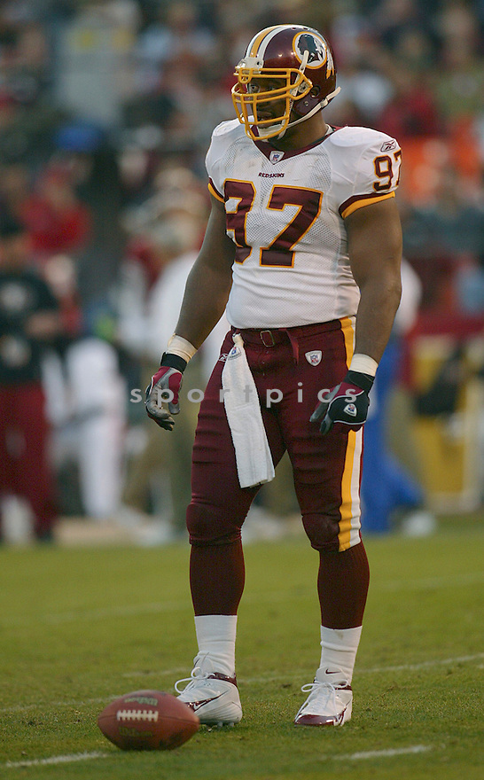 Renaldo Wynn during the Washington Redskins v. San Francisco 49ers game on December 18, 2004...Redskins win 26-16..Rob Holt / SportPics