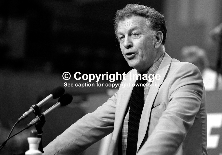 Ken Gill, general secretary, AUEW-TASS, trade union, UK, addresses Trades Union Congress annual conference 1984. 19840105KG1.<br />