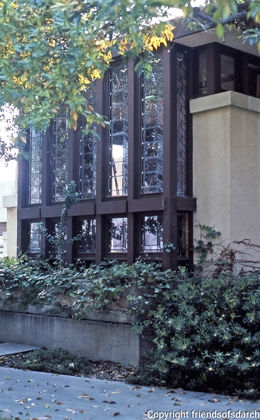 Frank Lloyd Wright, Architect. Hollyhock House.  Photo May 1982.