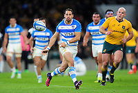 Joaquin Tuculet of Argentina passes the ball. The Rugby Championship match between Argentina and Australia on October 8, 2016 at Twickenham Stadium in London, England. Photo by: Patrick Khachfe / Onside Images