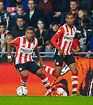 Nederland, Eindhoven, 27 oktober 2015<br /> KNVB Beker<br /> Seizoen 2015-2016<br /> PSV-Genemuiden<br /> Steven Bergwijn (l.) van PSV  en Joshua Brenet van PSV