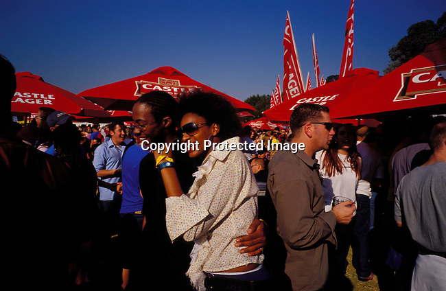 dippnig00098 Nightlife JOHANNESBURG, SOUTH AFRICA - : Unidentified people dancing and partying at a music festival  in Johannesburg, South Africa. Teenagers. Mix race.©Per-Anders Pettersson/iAfrika Photos