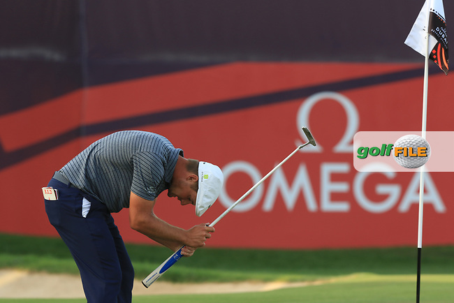 Bryson Dechambeau (USA) on the 18th green during Round 4 of the Omega Dubai Desert Classic, Emirates Golf Club, Dubai,  United Arab Emirates. 27/01/2019<br /> Picture: Golffile | Thos Caffrey<br /> <br /> <br /> All photo usage must carry mandatory copyright credit (&copy; Golffile | Thos Caffrey)