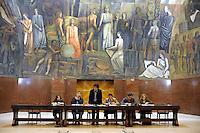 ROMA 18 MAGGIO 2010.UNIVERSITA' LA SAPIENZA, RETTORATO.RICERCATORI IN ASSEMBLEA CONTRO IL DDL GELMINI EI TAGLI ALL'ISTRUZIONE.FOTO SIMONA GRANATI