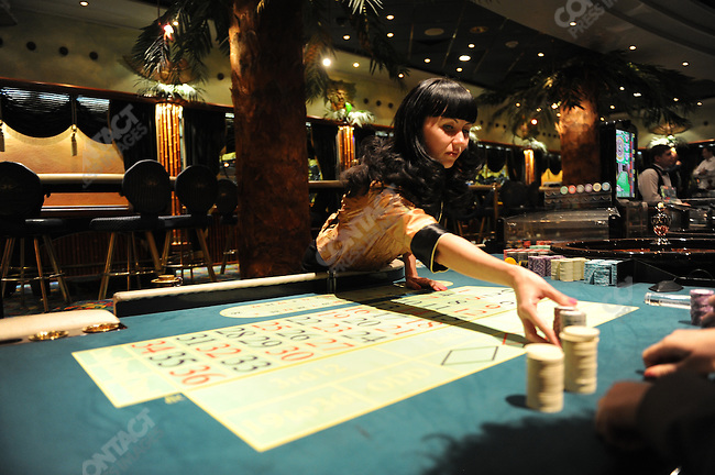 casino14-PHOTO BY JAMES HILL/26 JUNE 2009-At a roulette table at the Shangri-La casino in Moscow which is due to be closed as all Casinos in Russia next week, with 4 specific areas being selected for casinos across Russia, the capital, Moscow, not being one of them.