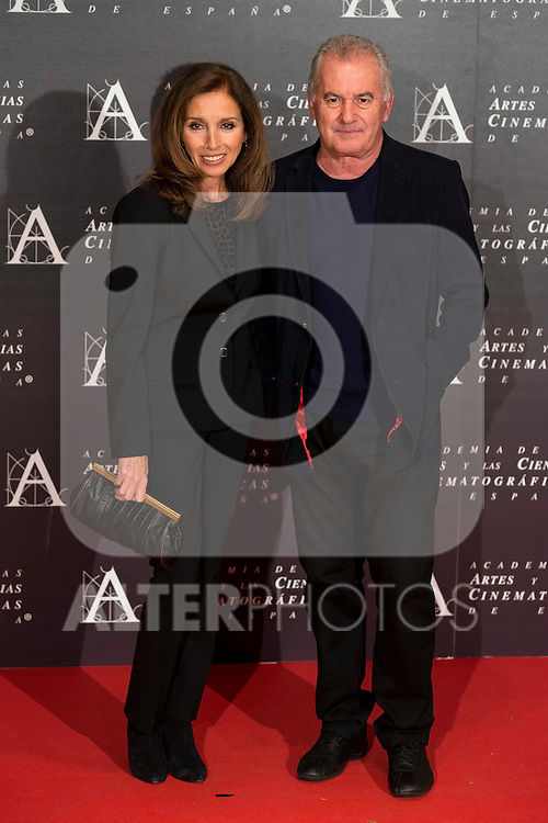 Ana Belen y Victor Manuel attends to the photocall of the red carpet at the tribute to actress Aitana Sanchez-Gijon and actor Juan Diego, 2015 Gold Medal of the Academy in Madrid, November 02, 2015.<br /> (ALTERPHOTOS/BorjaB.Hojas)