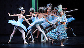 The Nutcracker - Scottish Ballet - at Glasgow's Theatre Royal - detail from the Snowflake scene - The ballet opens this weekend in Glasgow before going on tour around the UK until February - picture by Donald MacLeod - 07.12.12 - 07702 319 738 - clanmacleod@btinternet.com - www.donald-macleod.com