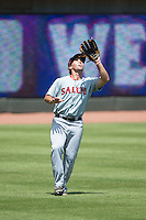 Salem Red Sox left fielder Kevin Heller (20) settles under a fly ball during the game against the Winston-Salem Dash at BB&T Ballpark on May 31, 2015 in Winston-Salem, North Carolina.  The Red Sox defeated the Dash 6-5.  (Brian Westerholt/Four Seam Images)