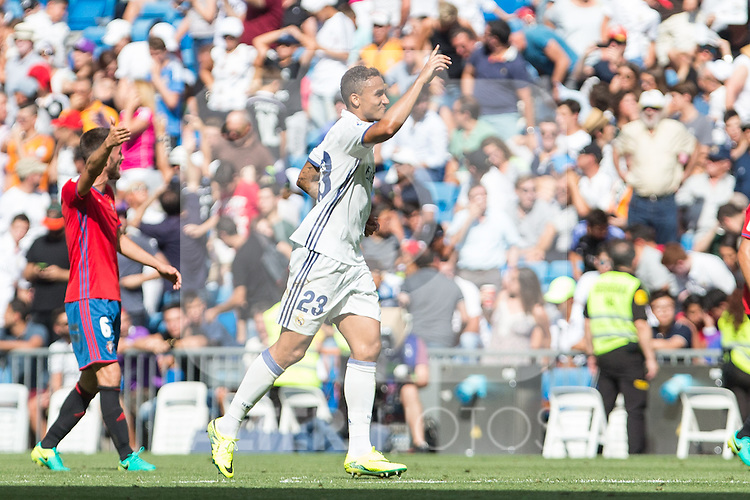 Real Madrid's Danilo Luiz da Silva during the match of La Liga between Real Madrid and Club Atletico Osasuna at Santiago Bernabeu Estadium in Madrid. September 10, 2016. (ALTERPHOTOS/Rodrigo Jimenez)