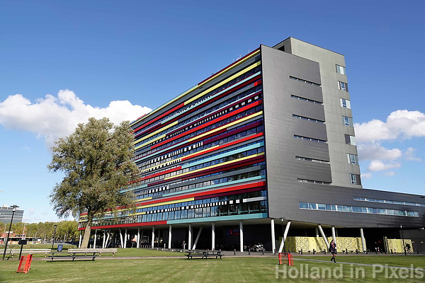 Utrecht Science Park (De Uithof). Hogeschool Utrecht.  Het gebouw is een ontwerp van Ector Hoogstad Architecten.
