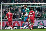 01.12.2018, Weser Stadion, Bremen, GER, 1.FBL, Werder Bremen vs FC Bayern Muenchen, <br /> <br /> DFL REGULATIONS PROHIBIT ANY USE OF PHOTOGRAPHS AS IMAGE SEQUENCES AND/OR QUASI-VIDEO.<br /> <br />  im Bild<br /> <br /> 1 zu 1 duzrch Yuya Osako (Werder Bremen #08) gegen Manuel Neuer (FC Bayern Muenchen #01) <br /> Thomas M&uuml;ller / Mueller (FC Bayern Muenchen #25)<br /> Niklas S&uuml;le / Suele (FC Bayern Muenchen #04)<br /> <br /> Foto &copy; nordphoto / Kokenge