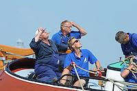ZEILEN: FRYSLÂN: 2014, SKS skûtsjesilen, skûtsje d'Halve Maen, schipper Berend Mink, ©foto Martin de Jong