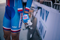 post-finish medical attention for Tereza Korvasova (CZE)<br /> <br /> WOMEN ELITE INDIVIDUAL TIME TRIAL<br /> Hall-Wattens to Innsbruck: 27.8 km<br /> <br /> UCI 2018 Road World Championships<br /> Innsbruck - Tirol / Austria