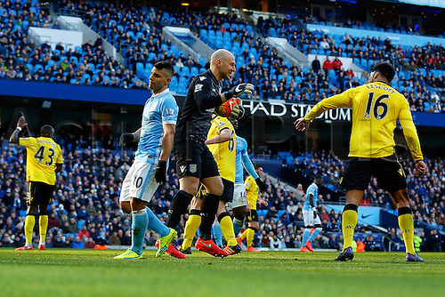 05.03.2016. The Etihad, Manchester, England. Barclays Premier League. Manchester City versus Aston Villa. Brad Guzan of Aston Villa makes another save to keep a clean sheet in the first half