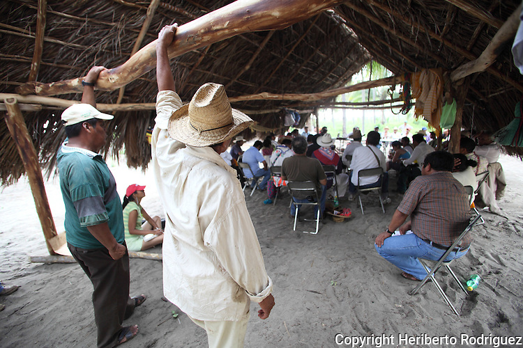 Hundreds of Native Indians from all over Mexico and social organizations attend the assembly of the National Native Congress in Xayacalan village, Santa Maria Ostula in western Michoacan state. More that two thousand Native Nauas of Xayacalan stormed 700 hectareas and recovered their ancient communitary property on June 29, 2009 after a decades of fighting for land. Photo by Heriberto Rodriguez
