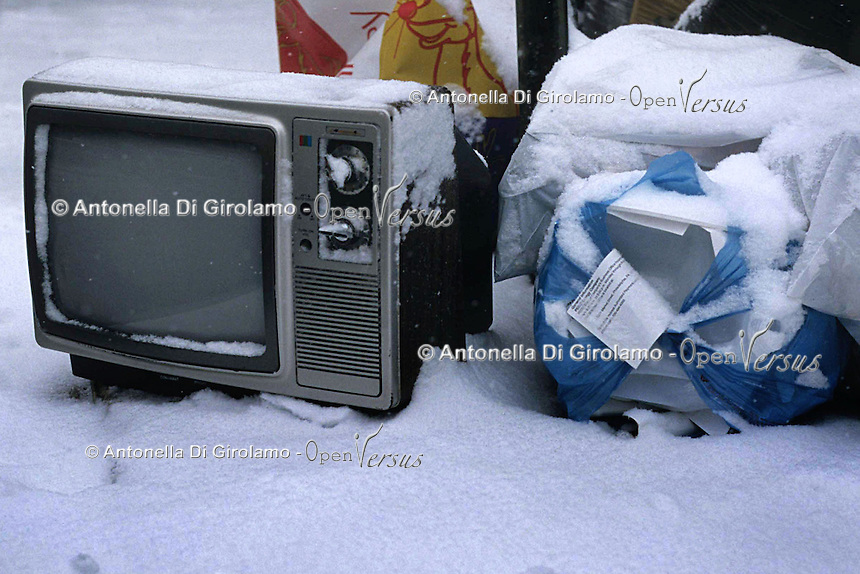 Televisione.Television.