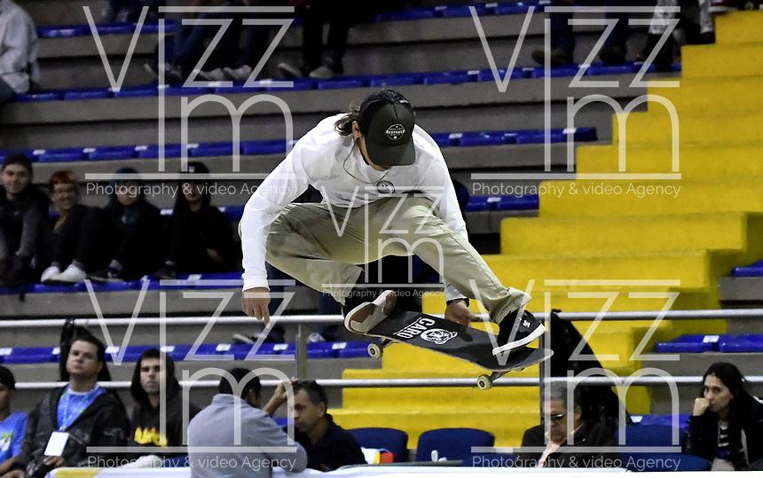 BOGOTA - COLOMBIA - 12 - 08 - 2017: Fabrizzio Caro, Skater de Peru, durante competencia en el Primer Campeonato Panamericano de Skateboarding, que se realiza en el Palacio de los Deportes en la Ciudad de Bogota. / Fabrizzio Caro, Skater from Peryu, during a competitions in the First Pan American Championship of Skateboarding, that takes place in the Palace of Sports in the City of Bogota. Photo: VizzorImage / Luis Ramirez / Staff.